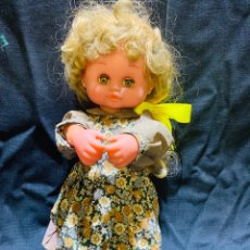 Otras Muñecas de Famosa: ANTIGUA MUÑECA A CUERDA. Lote 159699705