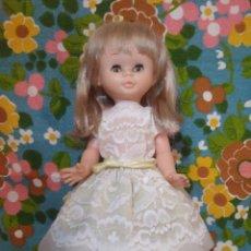 Otras Muñecas de Famosa: PRECIOSA MUÑECA TRINI DE FAMOSA. Lote 160334058