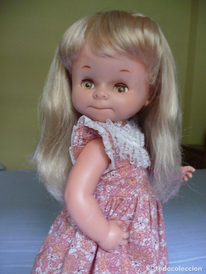 Otras Muñecas de Famosa: Muñeca graciosa de famosa rubia ojos marron margarita muy dificil epoca nancy - Foto 2 - 160640690