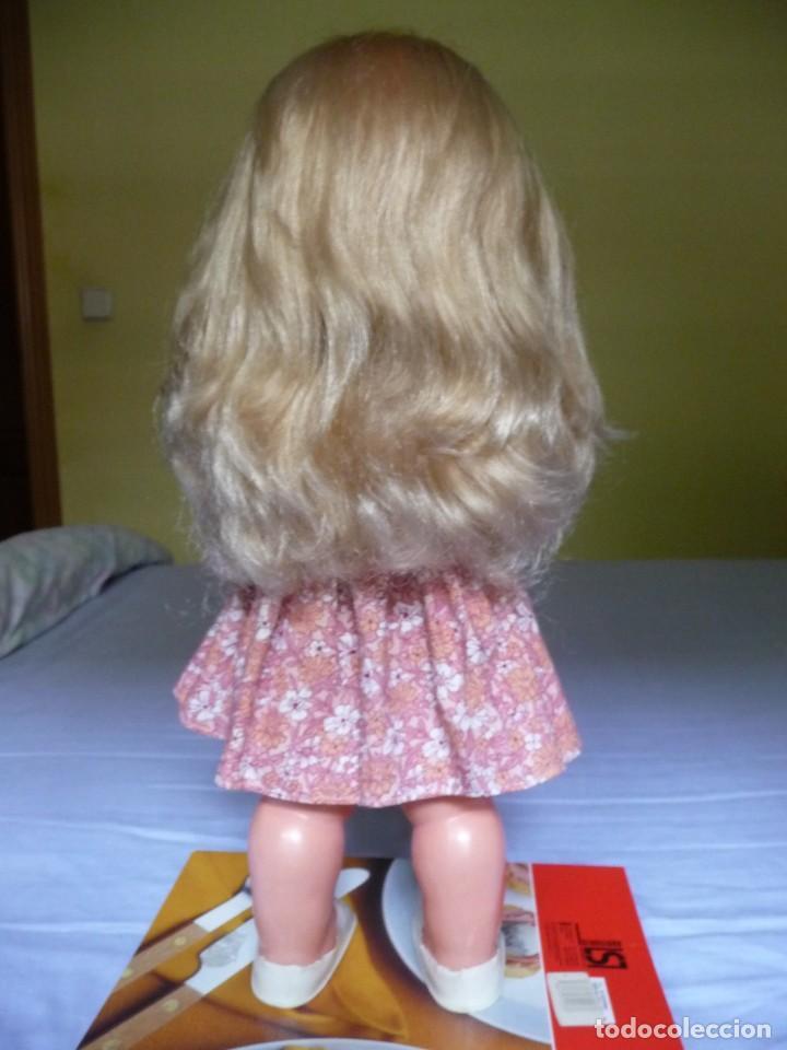 Otras Muñecas de Famosa: Muñeca graciosa de famosa rubia ojos marron margarita muy dificil epoca nancy - Foto 3 - 160640690