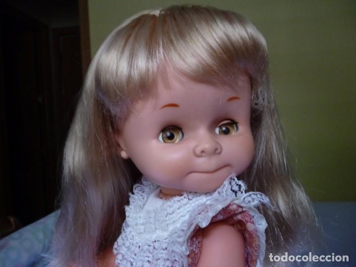 Otras Muñecas de Famosa: Muñeca graciosa de famosa rubia ojos marron margarita muy dificil epoca nancy - Foto 10 - 160640690