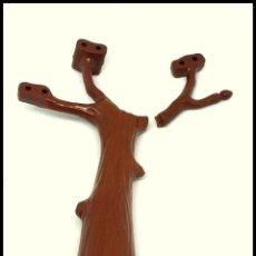 Otras Muñecas de Famosa: PINYPON PIN Y PON FAMOSA ARBOL. Lote 161889446