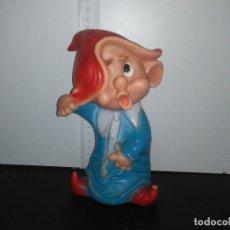 Otras Muñecas de Famosa: MUÑECO ENANITO DE FAMOSA FERRARIO BLANCANIEVES ENANITOS. Lote 168583532