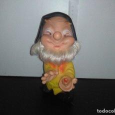 Otras Muñecas de Famosa: MUÑECO ENANITO DE FAMOSA FERRARIO BLANCANIEVES ENANITOS. Lote 168587452