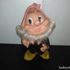 Otras Muñecas de Famosa: MUÑECO ENANITO DE FAMOSA FERRARIO BLANCANIEVES ENANITOS. Lote 168587528