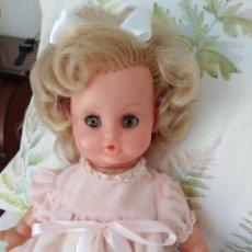 Otras Muñecas de Famosa: MUÑECA FRANCESA CON MOVIMIENTO. Lote 169173532