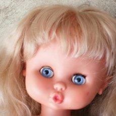 Otras Muñecas de Famosa: CAROL DE FAMOSA CON FLEQUILLO. Lote 169833537
