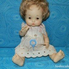 Otras Muñecas de Famosa: MUÑECA NENUCO DE FAMOSA CON OJOS IRIS MARGARITA COLOR MIEL. Lote 170075636