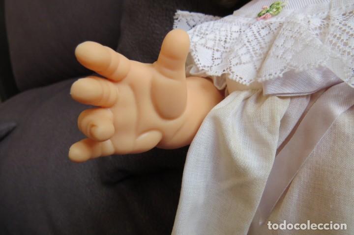 Otras Muñecas de Famosa: MUÑECA NINA CON SU PELUCA - FAMOSA - OJOS AZULES - VESTIDO Y ZAPATOS AZULES - TODO BLANDO - Foto 8 - 171241728