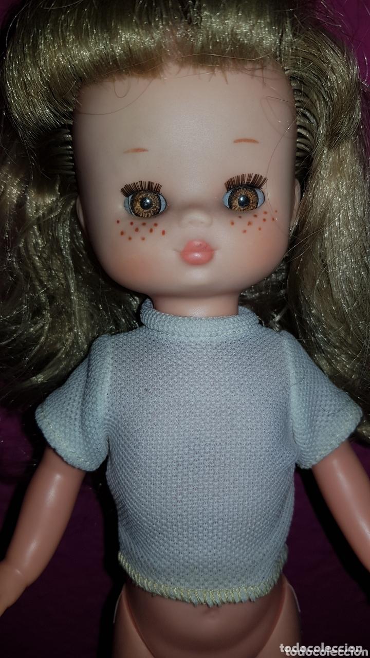 Otras Muñecas de Famosa: Lesly de Famosa ojos Arona en impecable estado Hermanita de Nancy - Foto 3 - 172380315