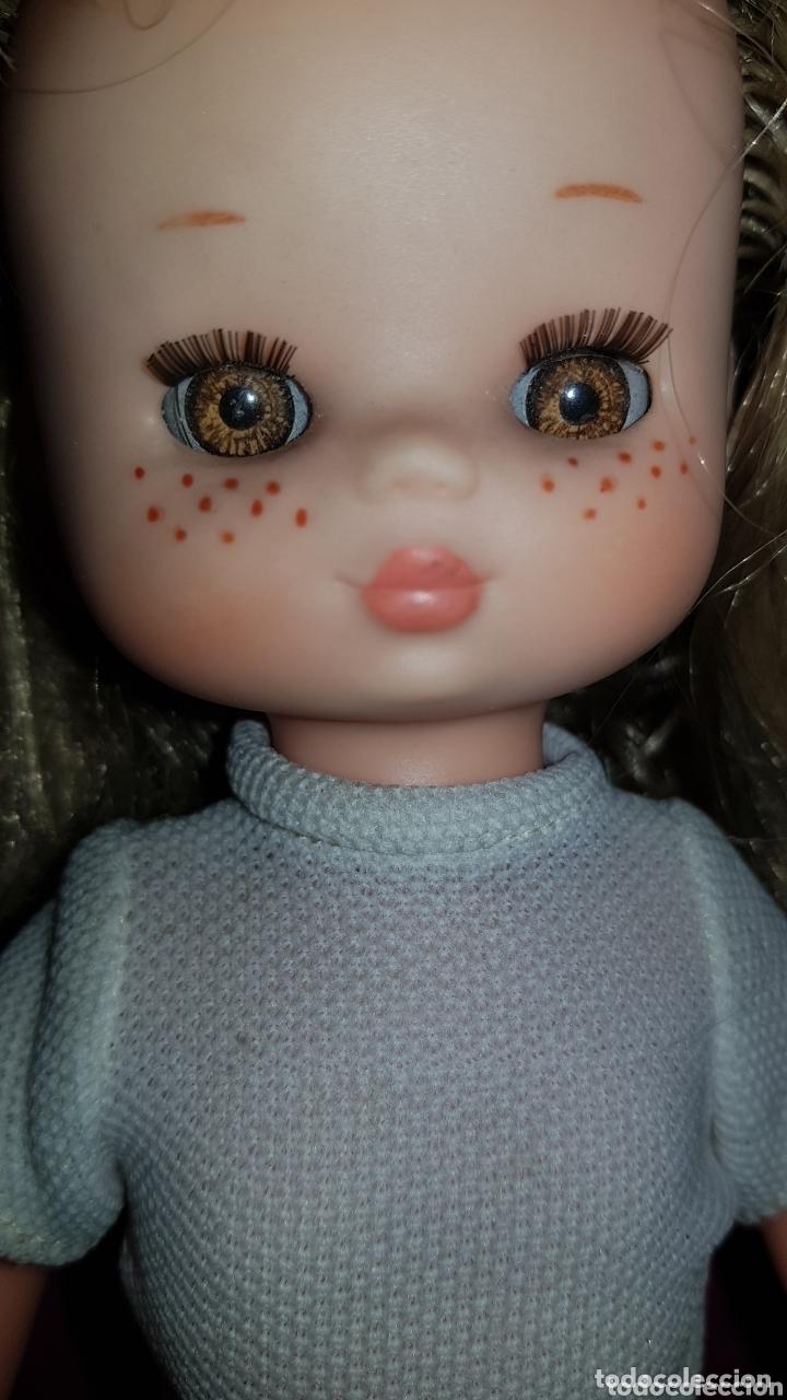 Otras Muñecas de Famosa: Lesly de Famosa ojos Arona en impecable estado Hermanita de Nancy - Foto 4 - 172380315
