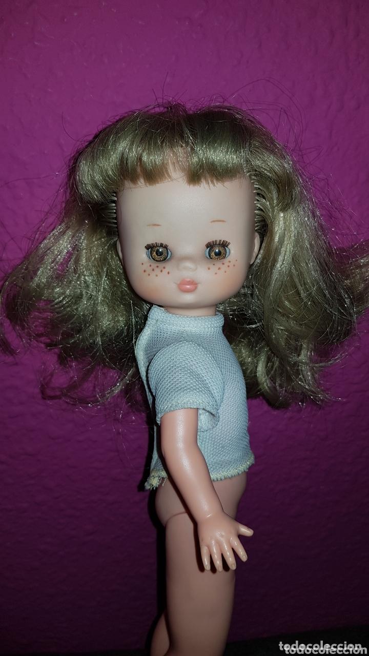Otras Muñecas de Famosa: Lesly de Famosa ojos Arona en impecable estado Hermanita de Nancy - Foto 10 - 172380315