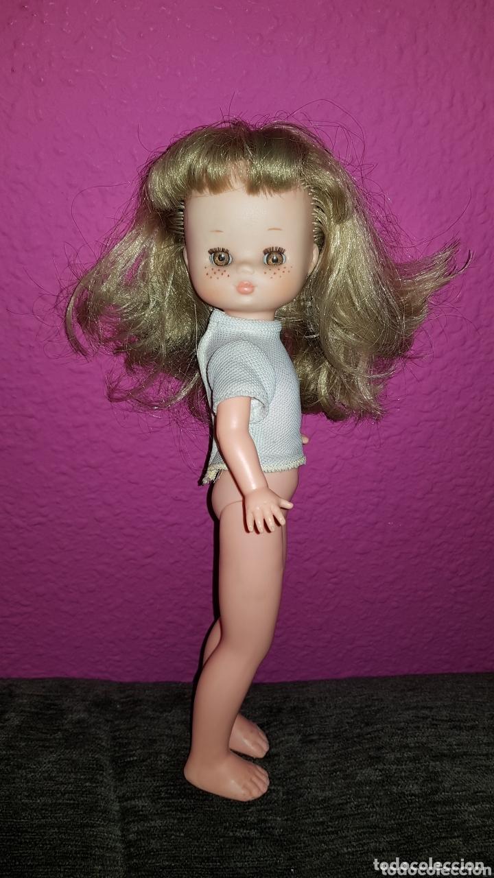 Otras Muñecas de Famosa: Lesly de Famosa ojos Arona en impecable estado Hermanita de Nancy - Foto 11 - 172380315