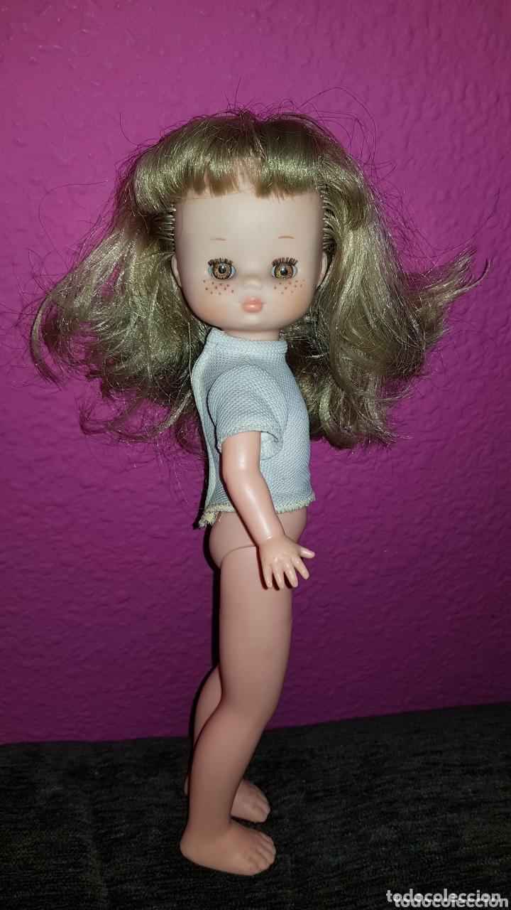 Otras Muñecas de Famosa: Lesly de Famosa ojos Arona en impecable estado Hermanita de Nancy - Foto 12 - 172380315