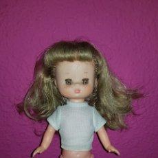 Otras Muñecas de Famosa: LESLY DE FAMOSA OJOS ARONA EN IMPECABLE ESTADO HERMANITA DE NANCY. Lote 172380315