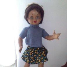 Otras Muñecas de Famosa: GUENDOLINA DE FAMOSA MORENA OJOS VERDES UNA PRECIOSIDAD. Lote 172388462