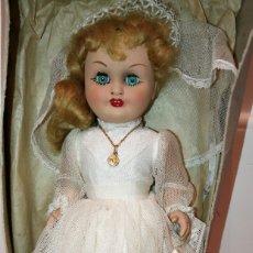 Otras Muñecas de Famosa: ANTIGUA MUÑECA DE FAMOSA. COMUNIÓN. EN SU CAJA. AÑOS 50/60.. Lote 172953610