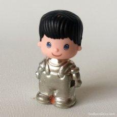 Otras Muñecas de Famosa: MUÑECO TRAJE PLATA PINYPON PIN Y PON. Lote 174205353