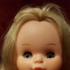 Otras Muñecas de Famosa: MUÑECA SALLY DE FAMOSA OJOS AZULES MARGARITA. Lote 174528050