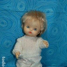 Otras Muñecas de Famosa: MUÑECA CHIQUITINA DE FAMOSA , OJOS IRIS MARGARITA AZULES. Lote 175832305