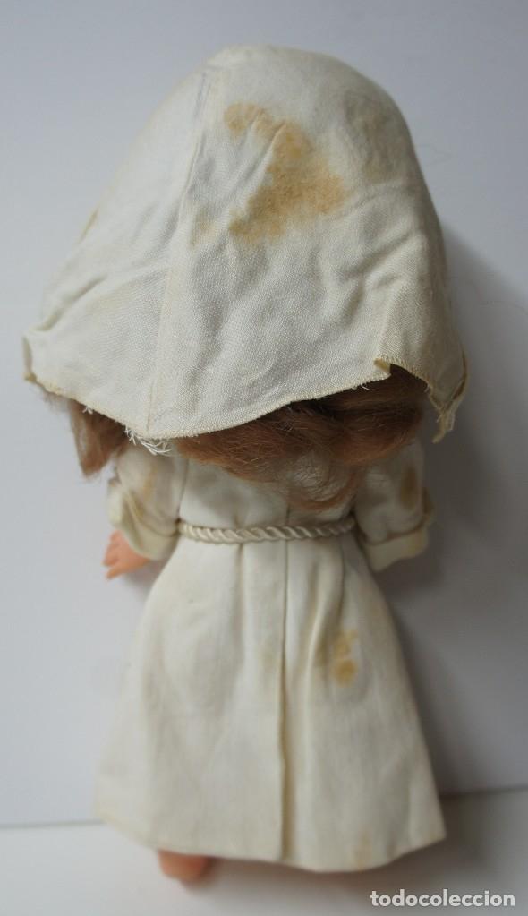 Otras Muñecas de Famosa: MUÑECA RAPACIÑA MONJA DE FAMOSA ,SOLO LE FALTA LIMPIEZA A FONDO. - Foto 3 - 176288990