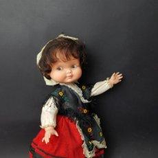 Otras Muñecas de Famosa: MUÑECA RAPACIÑA ALTA DE FAMOSA 35 CM. Lote 176946782
