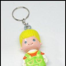 Otras Muñecas de Famosa: PINYPON PIN Y PON LLAVERO CHICO CHICA. Lote 177134105