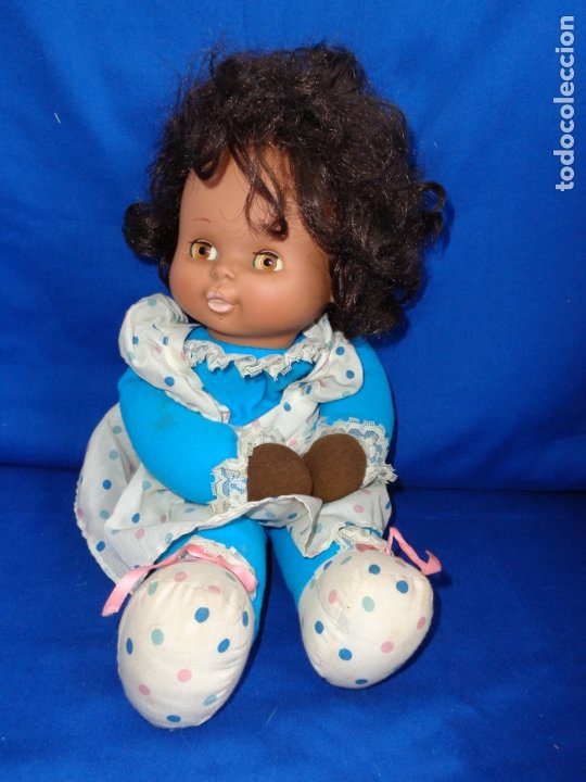 Otras Muñecas de Famosa: MIMITA - MUÑECA NEGRITA MIMi MIMOSA MUSICAL DE FAMOSA,FUNCIONANDO, OJOS IRIS MARGARITA MARRONES!SM - Foto 2 - 177202572