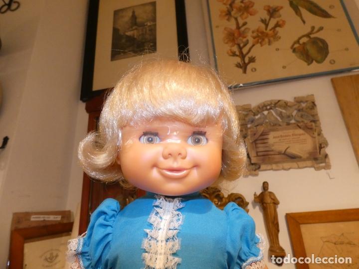 Otras Muñecas de Famosa: Muñeca Polilla de famosa, en caja original y sin uso, conserva cinta que sujeta los ojos. 35 cms. - Foto 2 - 177310777