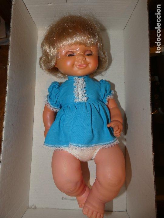 Otras Muñecas de Famosa: Muñeca Polilla de famosa, en caja original y sin uso, conserva cinta que sujeta los ojos. 35 cms. - Foto 4 - 177310777