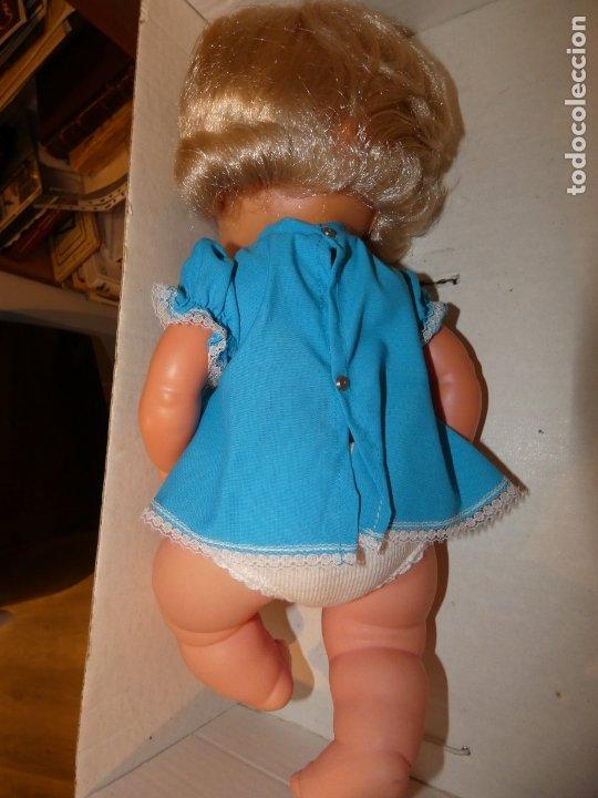 Otras Muñecas de Famosa: Muñeca Polilla de famosa, en caja original y sin uso, conserva cinta que sujeta los ojos. 35 cms. - Foto 6 - 177310777