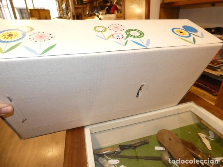 Otras Muñecas de Famosa: Muñeca Polilla de famosa, en caja original y sin uso, conserva cinta que sujeta los ojos. 35 cms. - Foto 7 - 177310777