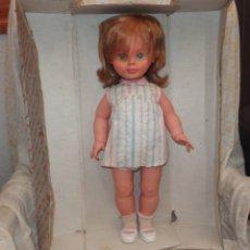 Otras Muñecas de Famosa: NORA DE FAMOSA,ANDADORA,CAJA ORIGINAL,AÑOS 60. Lote 178180331
