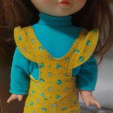 Otras Muñecas de Famosa: CONJUNTO ORIGINAL MUÑECA TRINI DE FAMOSA. Lote 179037546