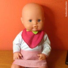 Otras Muñecas de Famosa: NENUCA BABERO DE FRESA . Lote 179377123