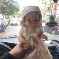 Otras Muñecas de Famosa: MUÑECA FAMOSA ANTIGUA CON VESTIDO ORIGINAL- VER LAS IMÁGENES. Lote 180109220