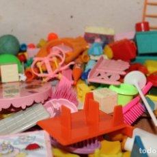 Otras Muñecas de Famosa: ANTIGUOS MUÑECOS DE FAMOSA LOTE PIN Y PON COMPLEMENTOS . Lote 180242888