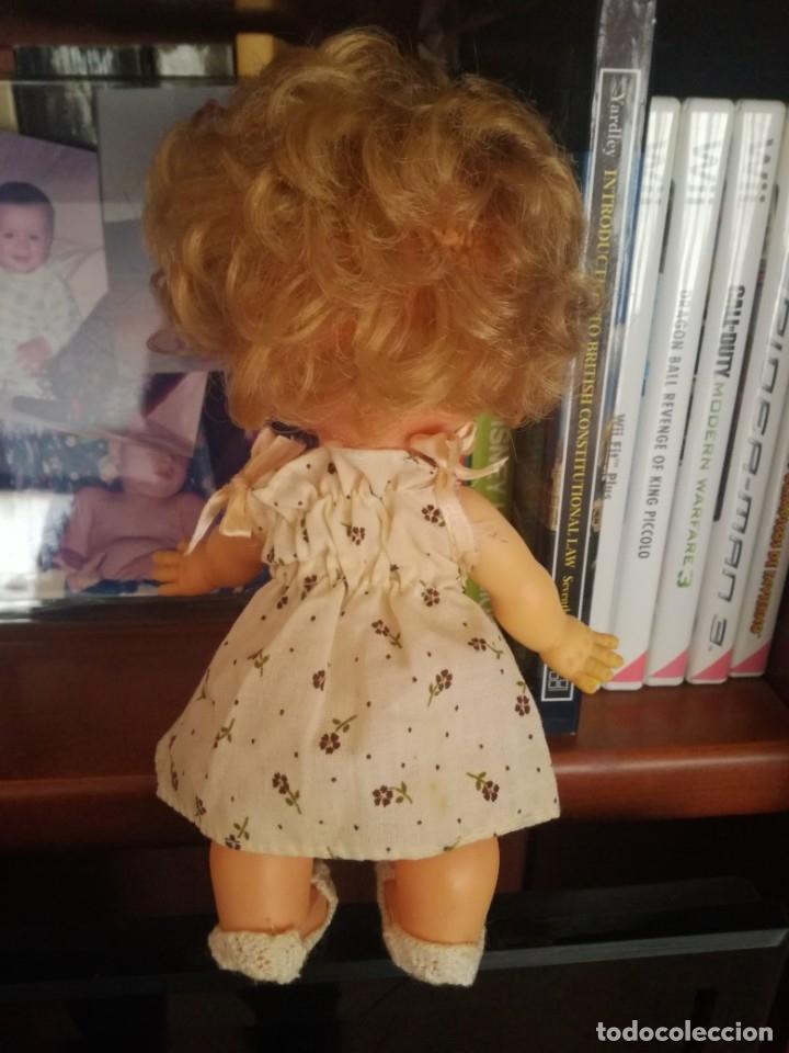 Otras Muñecas de Famosa: Muñeca pupitas FAMOSA con vestido minilacitos jesmar y lazo rojo 1960. - Foto 2 - 182866653