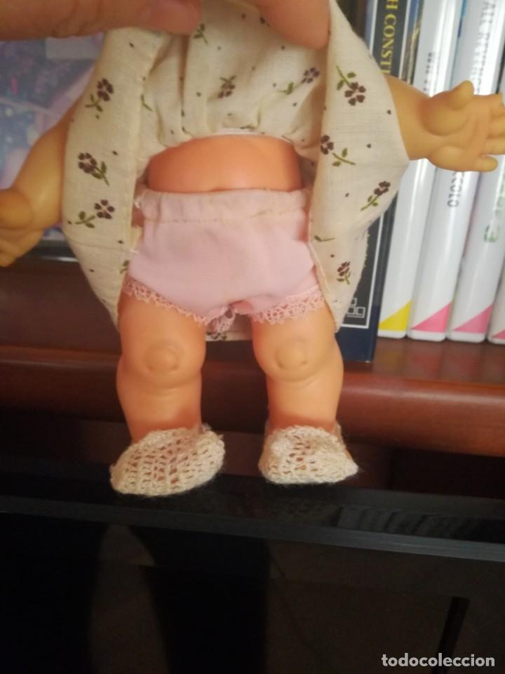 Otras Muñecas de Famosa: Muñeca pupitas FAMOSA con vestido minilacitos jesmar y lazo rojo 1960. - Foto 3 - 182866653