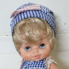 Otras Muñecas de Famosa: MUÑECA CURRINA RUBIA FAMOSA ROPA ORIGINAL AÑOS 70 CONJUNTO DIFÍCIL. Lote 184548752