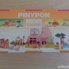Otras Muñecas de Famosa: PINYPON 2217 SERIE CIUDAD 1989 EN CAJA SELLADA. Lote 186099062