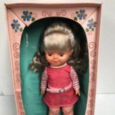 Otras Muñecas de Famosa: ANTIGUA MUÑECA CONCHITA DE FAMOSA CON AU CAJA ORIGINAL. Lote 186145508