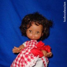 Otras Muñecas de Famosa: MAY - ANTIGUA MUÑECA MAY NEGRITA, VESTIDA DE ORIGEN, VER FOTOS! SM. Lote 190716997