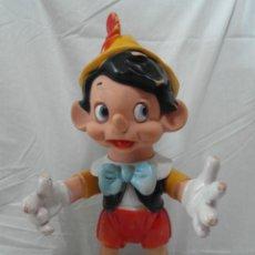 Otras Muñecas de Famosa: MUÑECO PINOCHO DE GOMA DE FAMOSA WALT DISNEY PRODUCTIONS 38CM. Lote 192220553