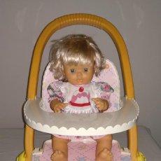 Otras Muñecas de Famosa: MUÑECA NENUCO NENUCA FAMOSA COMIDITAS CAMARERA CARRO CARRITO PASEO COCHECITO. Lote 193728180