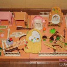 Otras Muñecas de Famosa: 2 MALETINES CASA CHALET PINY PON Y CASITA MALETIN DE PINY PON. Lote 194235631