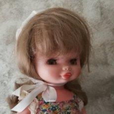 Otras Muñecas de Famosa: MUÑECA CONCHI ROMANTICA DE FAMOSA AÑOS 70. Lote 194236062