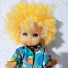 Otras Muñecas de Famosa: MUÑECO MAY PELO RIZADO AMARILLO MUY DIFICIL. Lote 194236731
