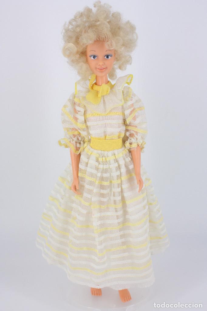 Otras Muñecas de Famosa: Darling modelo Primavera con vestido original - Famosa, 1984 - Foto 2 - 194357970