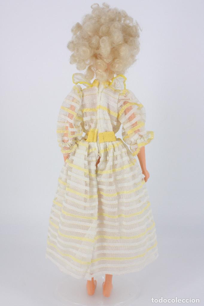 Otras Muñecas de Famosa: Darling modelo Primavera con vestido original - Famosa, 1984 - Foto 3 - 194357970